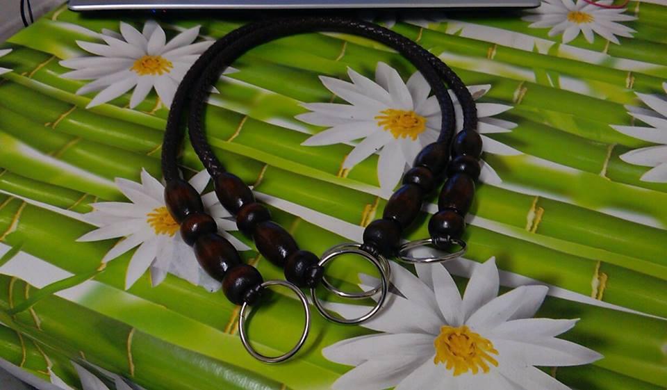 coppia di manci similpelle con perle di olivo marrone