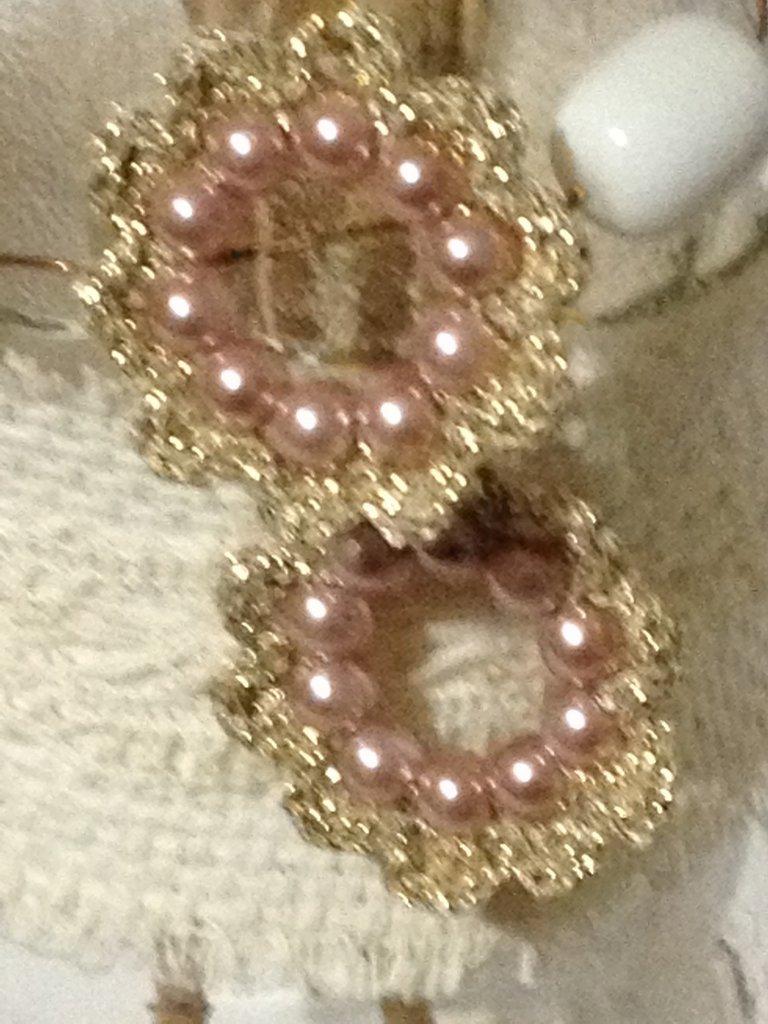 Orecchini color oro con perline