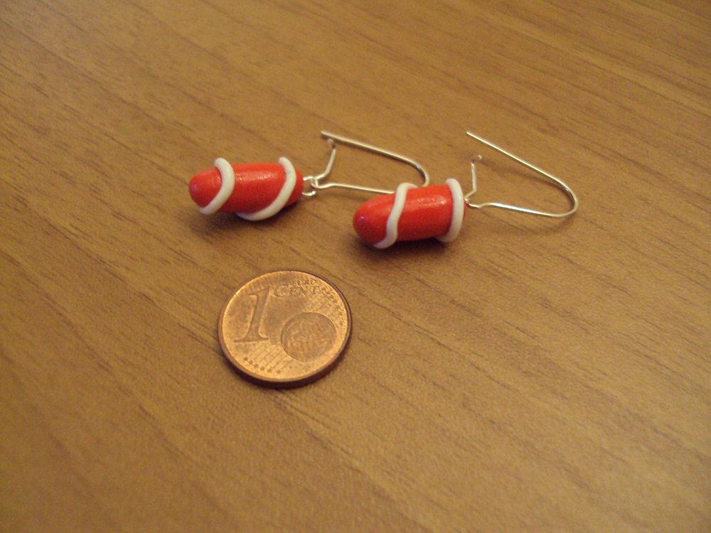 Orecchini capsule spirale rosso-bianco