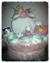 Torta pannolini con prodotti