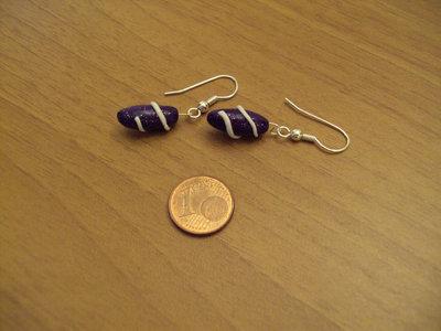 Orecchini capsule con spirale viola glitterato-bianco