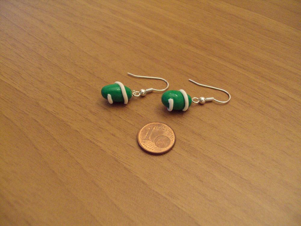 Orecchini capsule con spirale verde-bianco