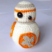 Robot BB-8 di Star Wars amigurumi fatto a mano all'uncinetto