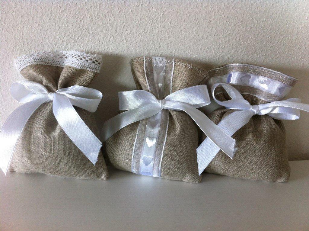 Sacchetti-Bomboniere matrimonio in lino e pizzo - Dimensione 12x10 cm - Varieta' di opzioni colore - Rustic chic-cuori-bianco
