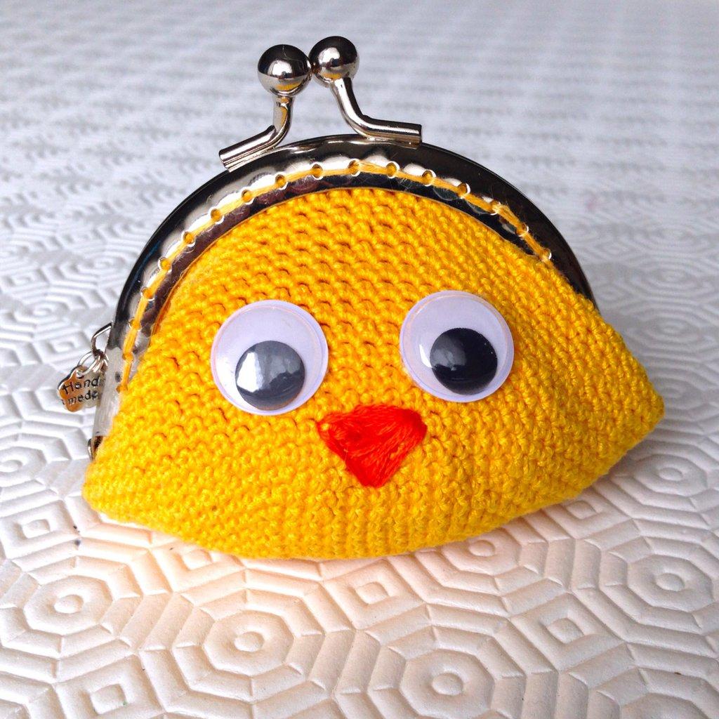 Borsellino portamonete pulcino giallo con occhioni dolci, fatto a mano all'uncinetto
