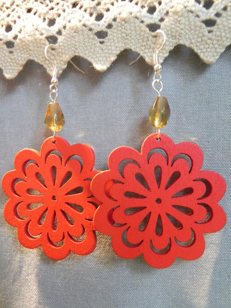 Orecchi fiore rosso