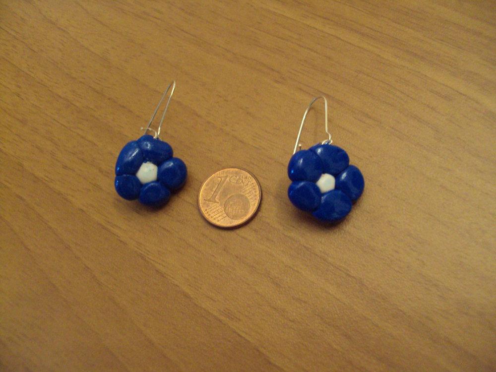 Orecchini fiori blu-bianco