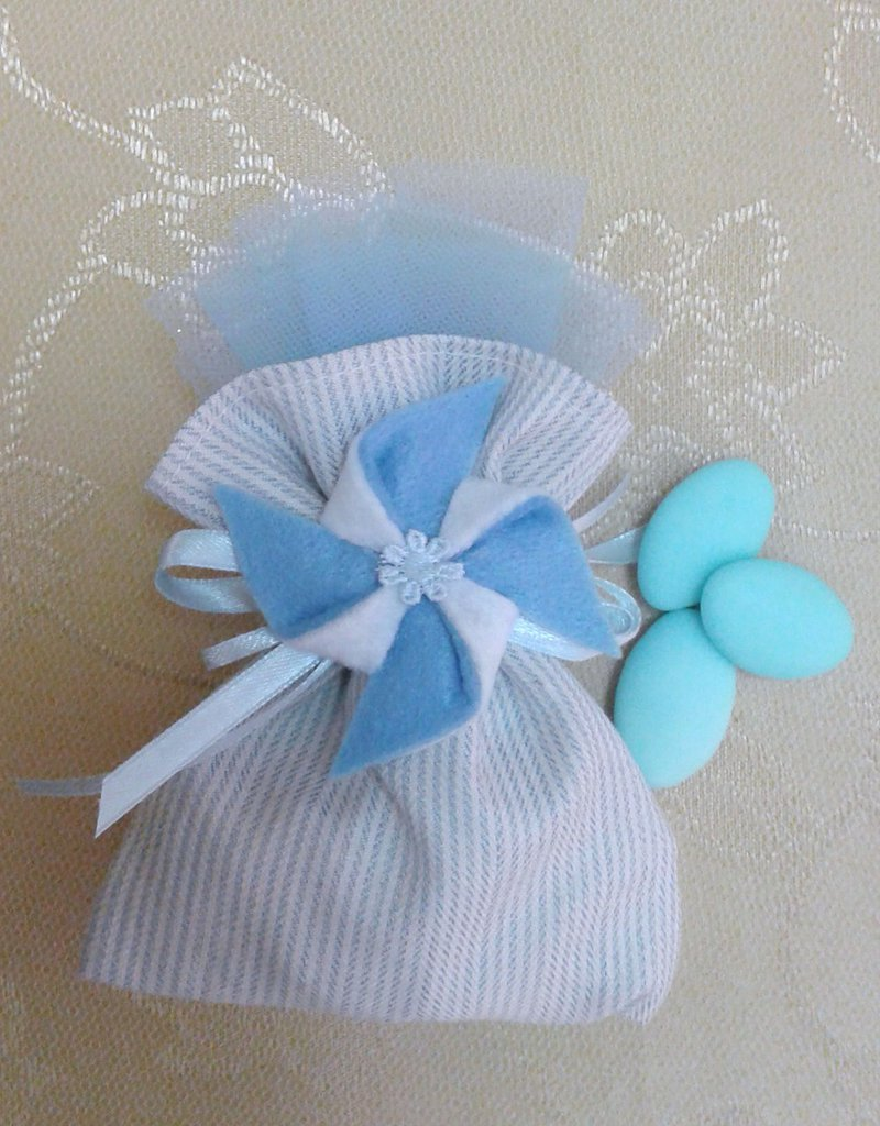 Bomboniera nascita battesimo bimbo sacchetto con girandola pannolenci