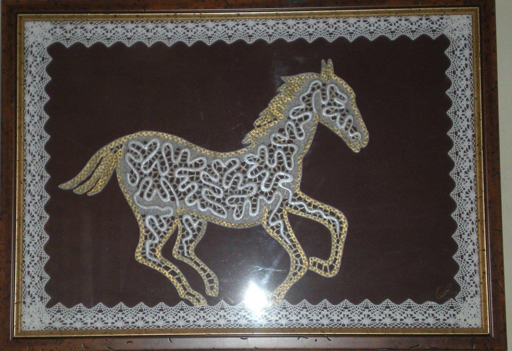 Quadro Pergamena con raffigurato un Cavallo