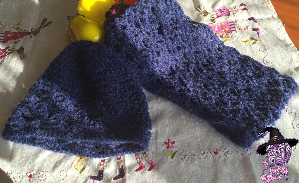Completo scaldacollo e cappello all'uncinetto in lana baby alpaca e merino