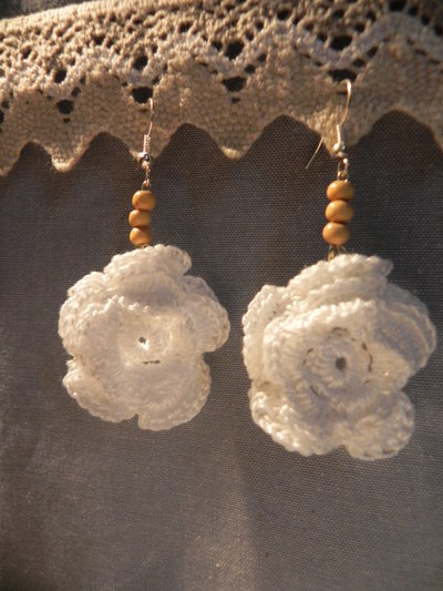 Orecchini fiore di cotone