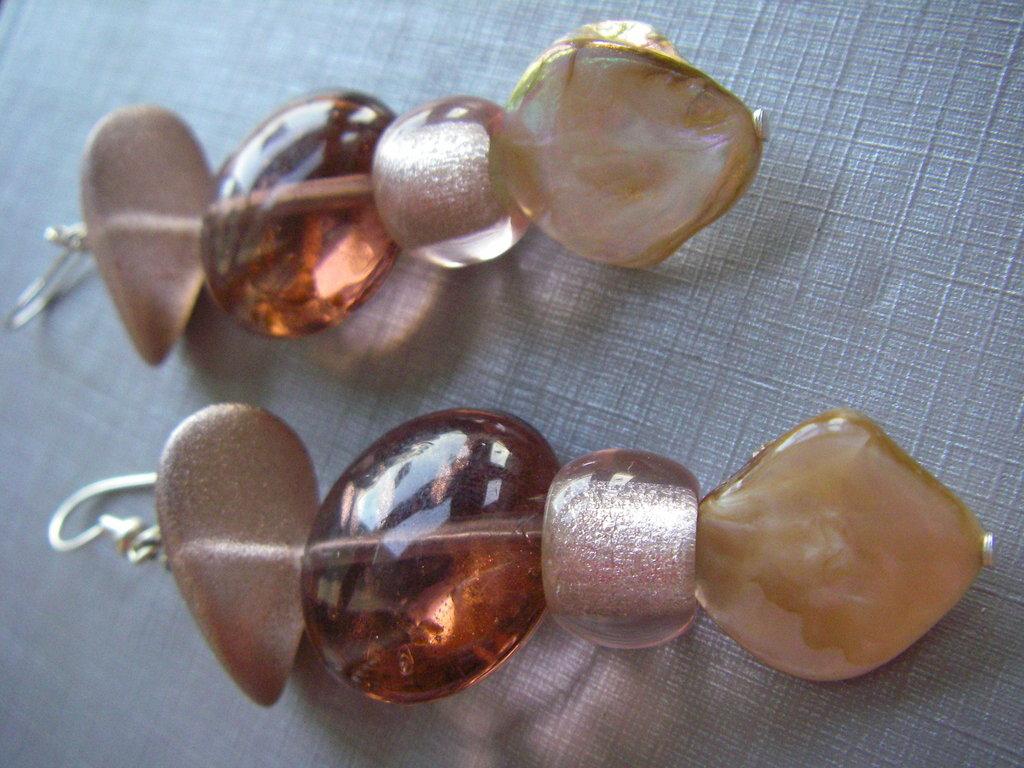 orecchini pendenti madreperla vetro