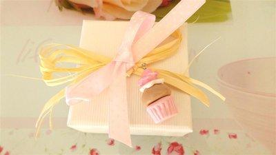 NOVITA  bomboniera MATRIMONIO NASCITA COMPLEANNO COMUNIONE  - CUPCAKE rosa  con ROSA - fimo