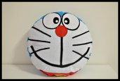 Cuscino Doraemon kawaii in pannolenci fatto a mano.