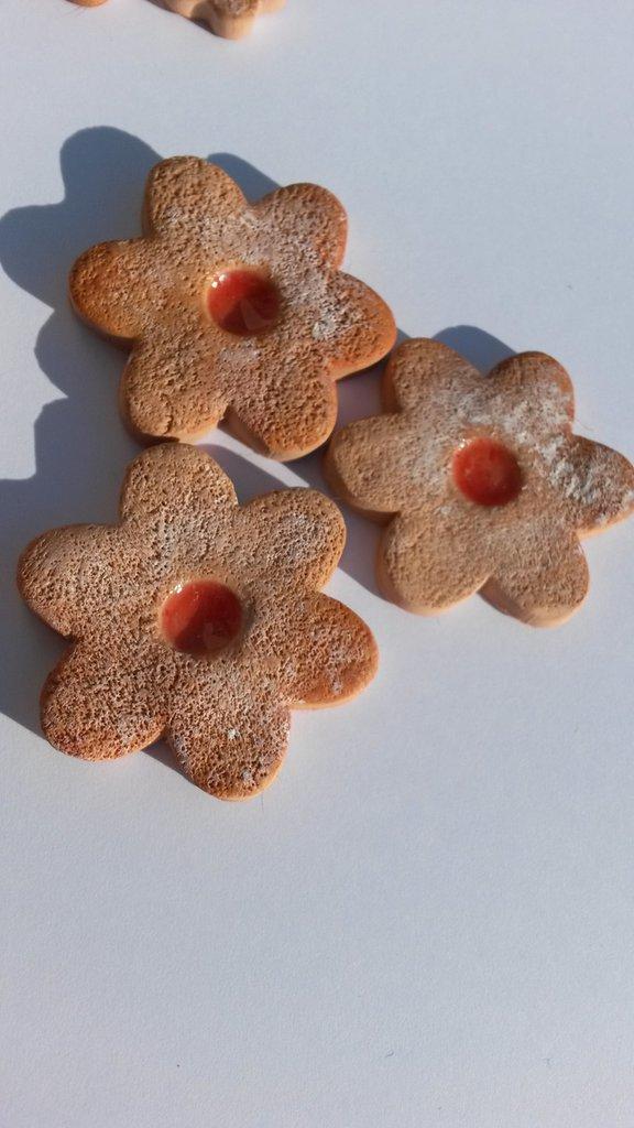 Ciondolino biscotto con marmellata grande