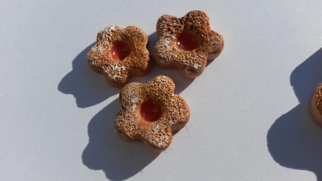 Ciondolino biscotto con marmellata piccolo