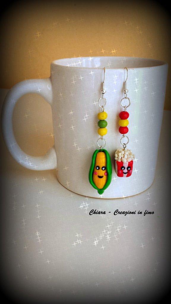 Orecchini in fimo handmade con pop corn e pannocchia kawaii idee regalo compleanno bomboniere