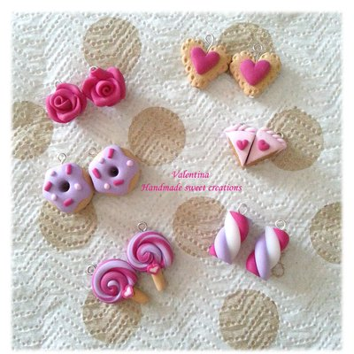 Set ciondoli in fimo- biscotti, rose, ciambella, tortina, lecca, lecca