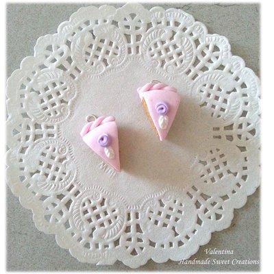 Ciondolo fetta di torta con rosa - fimo