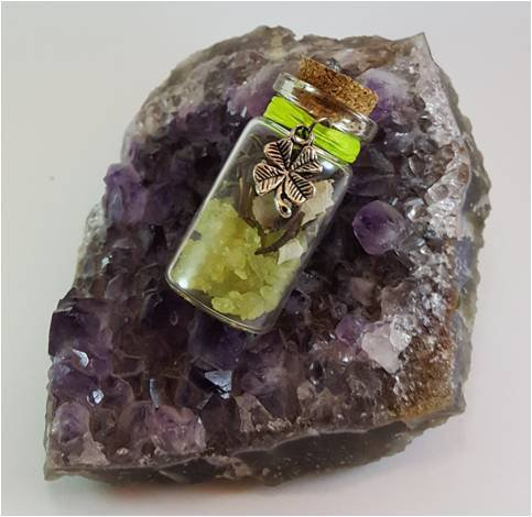 Amuleti con Minerali, Erbe e Sale Grosso