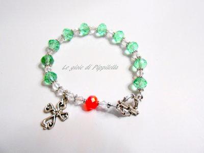 Bracciale rosario con cristalli verdi e rosso, idea regalo.