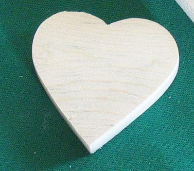 Cuore in legno grezzo tagliato e levigato su richiesta da 3 a 5 cm