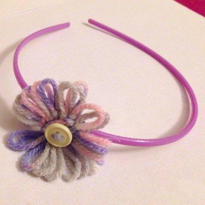 Cerchietto per capelli ciclamino con fiore sfumato morbido fatto a mano con flower loom per bambina