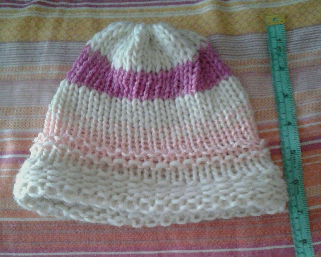 Cappello berretta lana alpaca fatto a mano rosa viola e bianco bambina 6-8 anni