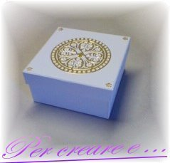 scatola decorata a mano
