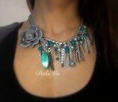 "Collana ""Flower"" color argento e turchese in materiali anallergici"
