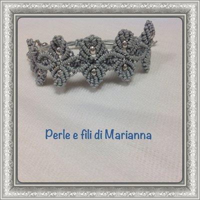 Braccialetto a macramè color argento