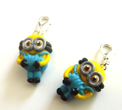 Ciondolo charm Minion in fimo dal film cattivissimo me idea regalo