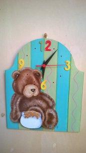 Orologio con orso dipinto a mano
