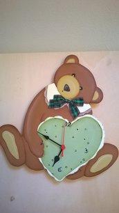 Orologio in legno dipinto a mano soggetto orso