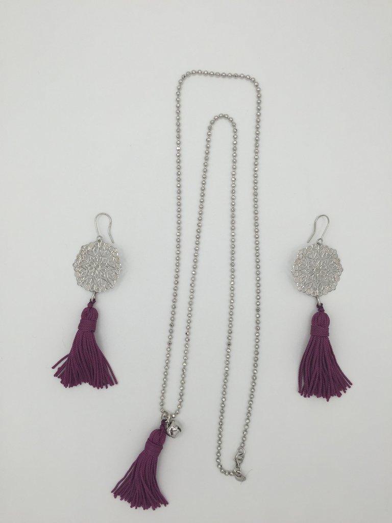 Collana con campanellino e nappa con orecchini abbinati