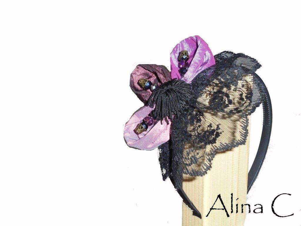 Purple cerchietto acconciatura per capelli donna, ragazza,, in pizzo nero e taffeta in sfumature di viola con cristalli.