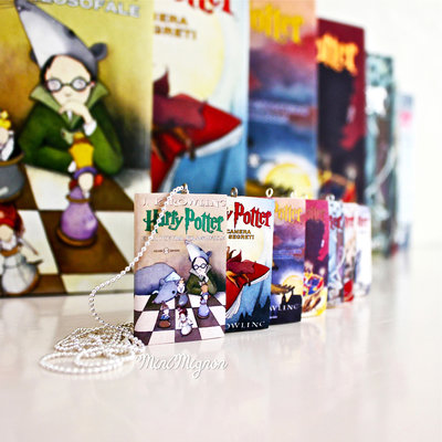 "Collana lunga con libro ""Harry Potter"""