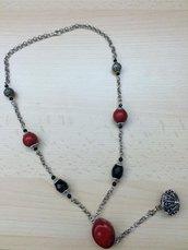 Collana lunga sarda con bottone e pietre