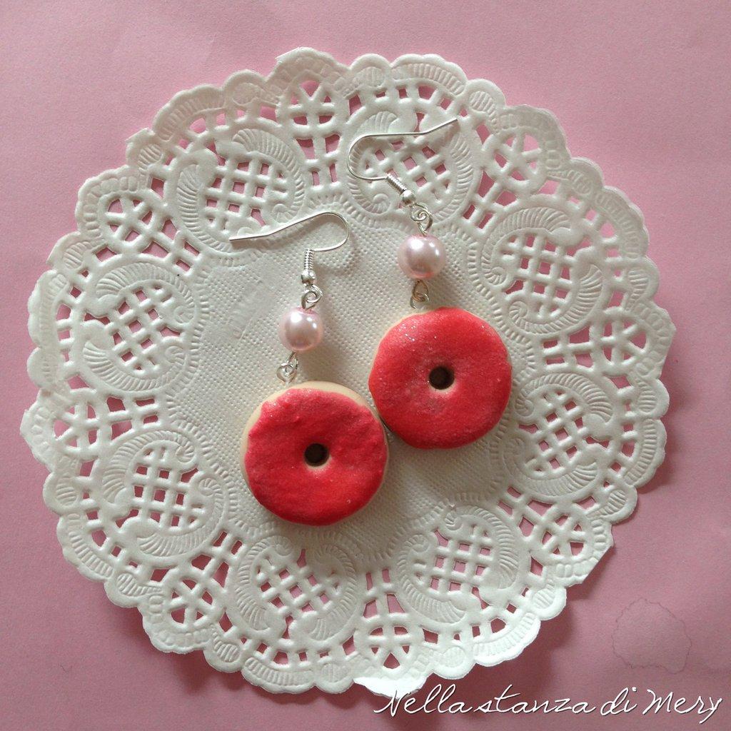 Orecchini pendenti ciambelle rosa e perla