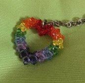 Portachiavi cuore arcobaleno fatto a mano con cristalli Preciosa