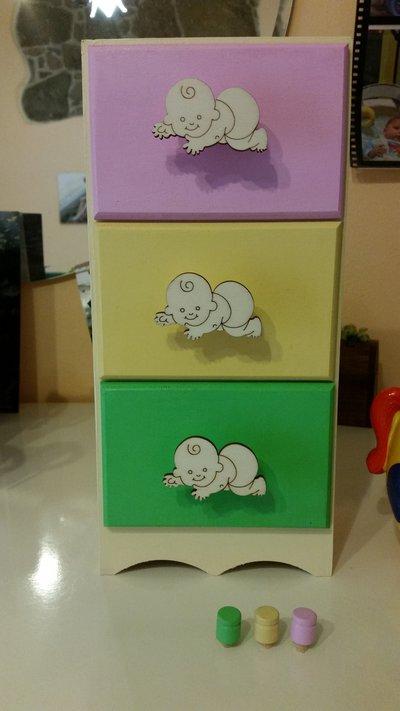 Piccola cassettiera baby