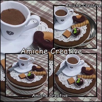 Scatola di latta decorata in pannolenci caffè