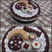 Scatola di latta  tonda decorata in pannolenci color cioccolato