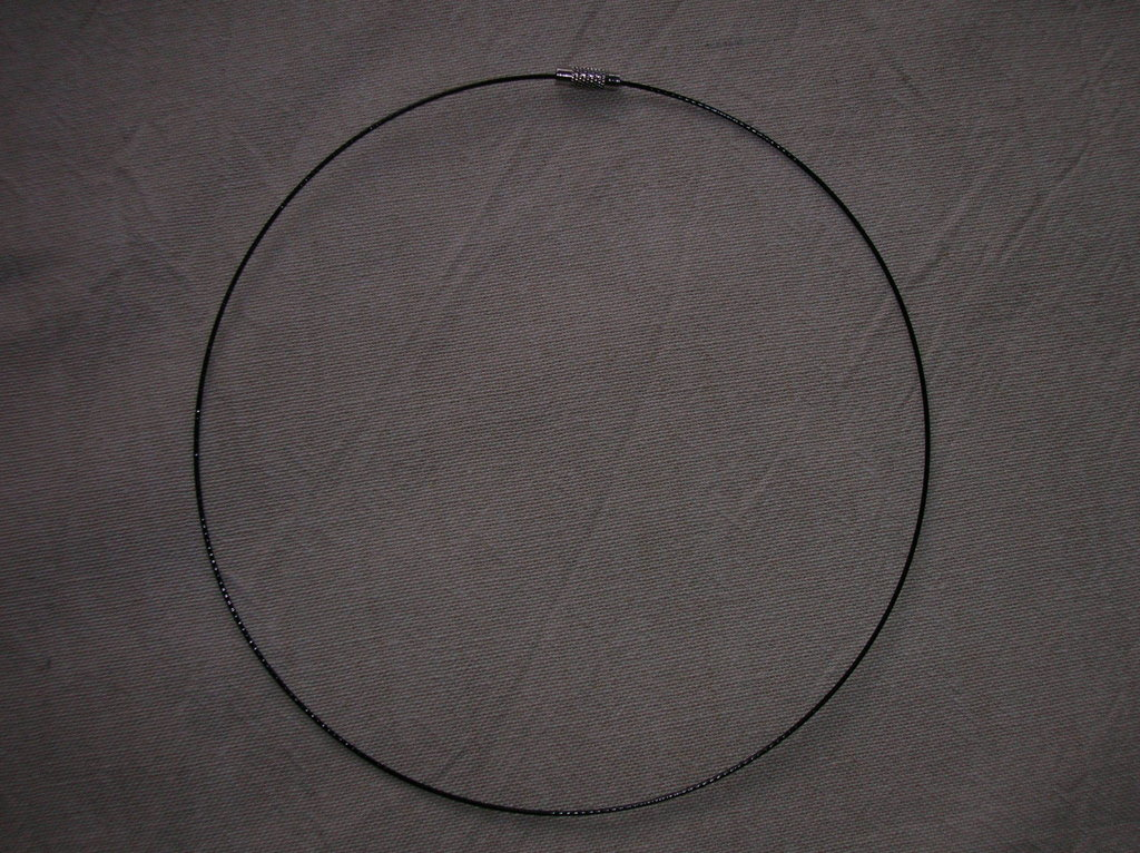 Collana filo d'acciaio plastificato NERO