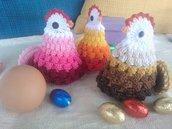 Gallina copri uovo ad uncinetto.