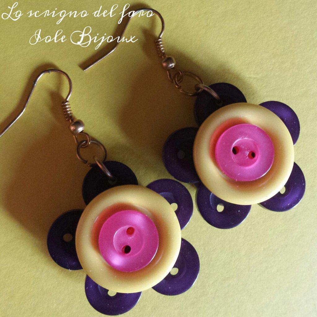 Orecchini fiori di bottoni viola/giallo/rosa