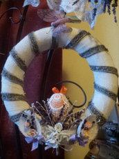 Ghirlanda in yuta e decorata con semi di lavanda