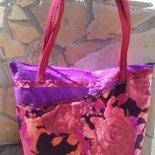 Borsa shopper in feltro viola e stoffe fatta a mano.