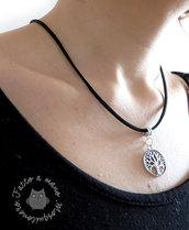 Collana Albero della vita in colore argento e pelle scamosciata nera