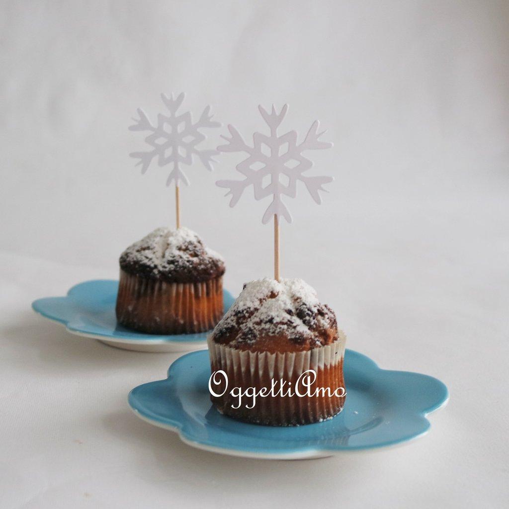 Cristalli di neve per i cupcake toppers della sua festa di compleanno a tema frozen